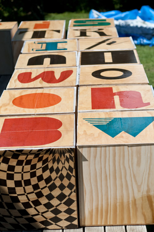 wooden cubes type design
