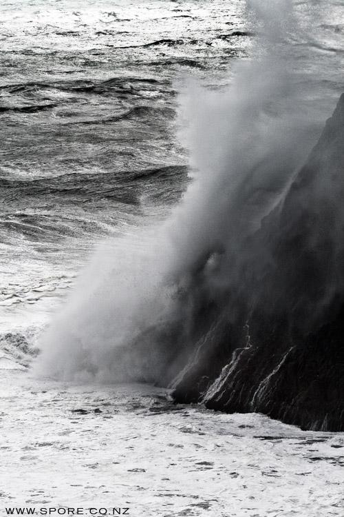 storm wave photo